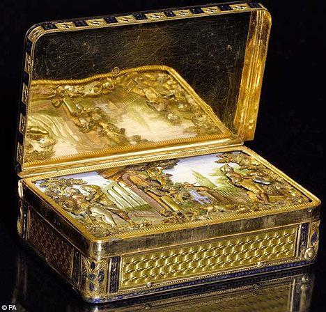 Victorian snuff box